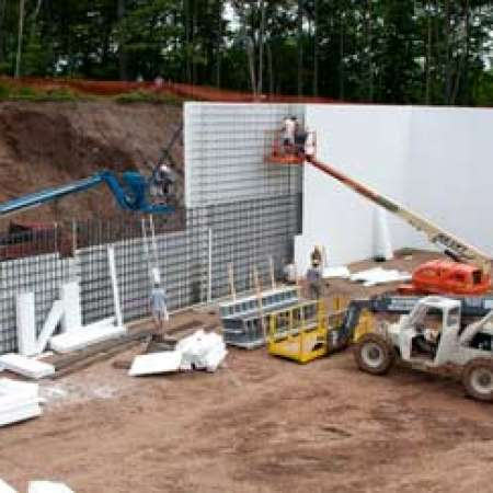Neale Lodge Large Wall Pour
